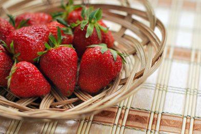 Morango: 5 receitas saudáveis e com benefícios